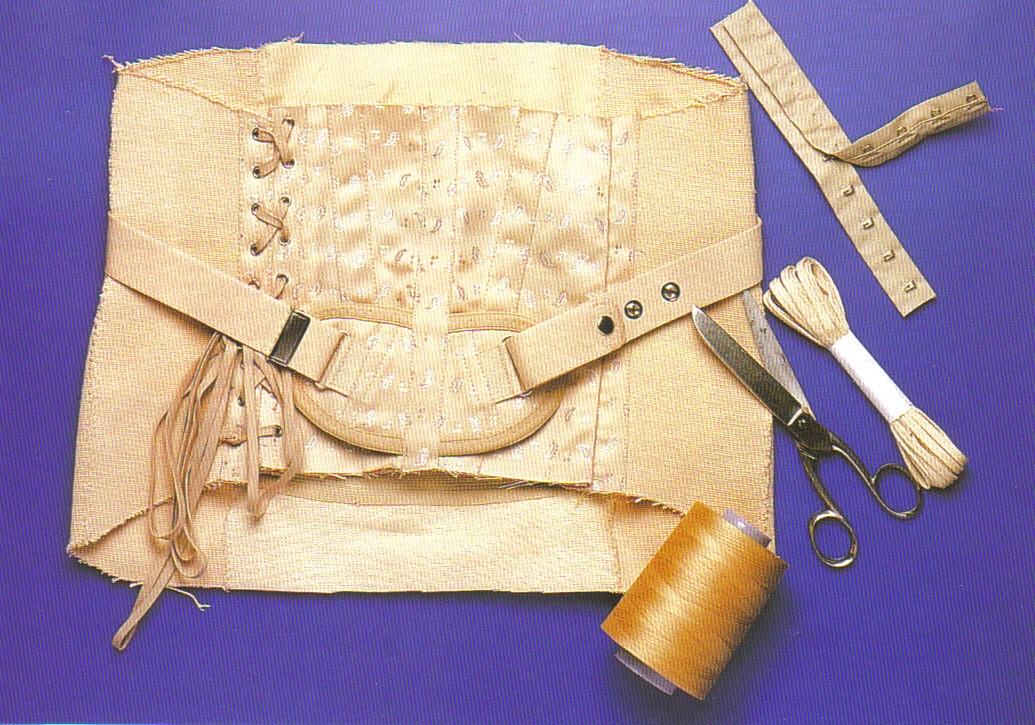 corset-sm-3